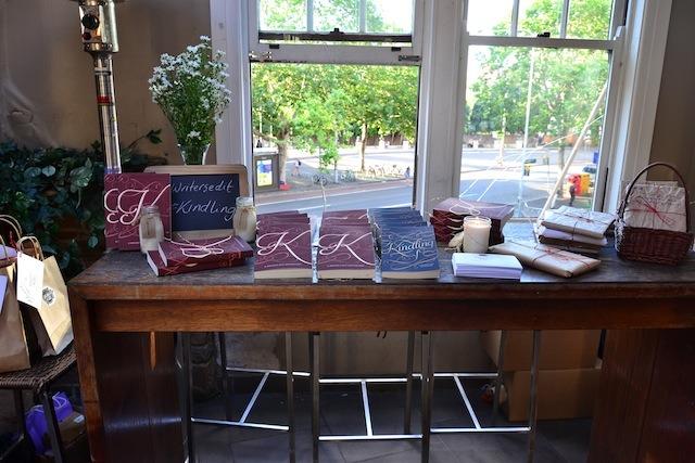 v-kindling-table-full